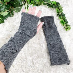 Gray 100% Alpaca Cable Knit Fingerless Gloves Midi
